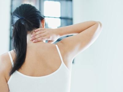 Висип за вухами і на шиї - фото, причини, лікування