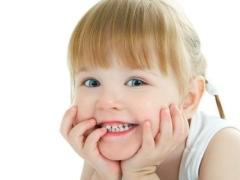 Білі плями на зубах у дитини або дорослого - чому і що робити?