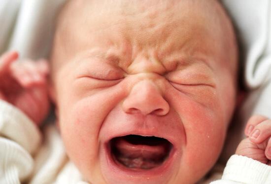 Нежить у немовлят, в тому числі при прорізуванні зубів