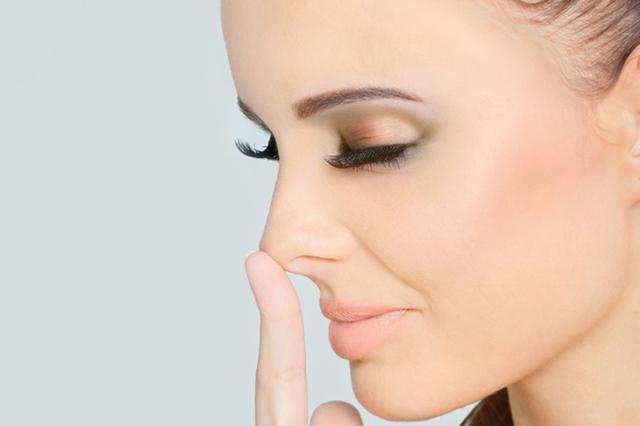 Суха шкіра, що лущиться навколо носа - причини і що робити