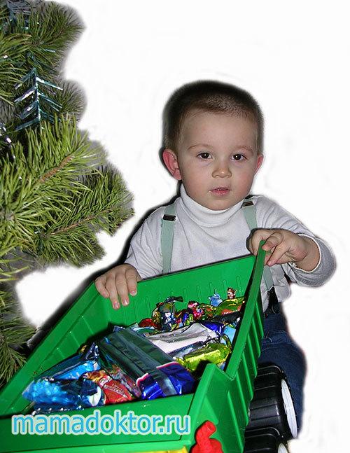 Чи можна давати дітям солодке: з якого віку давати цукерки, користь і шкода