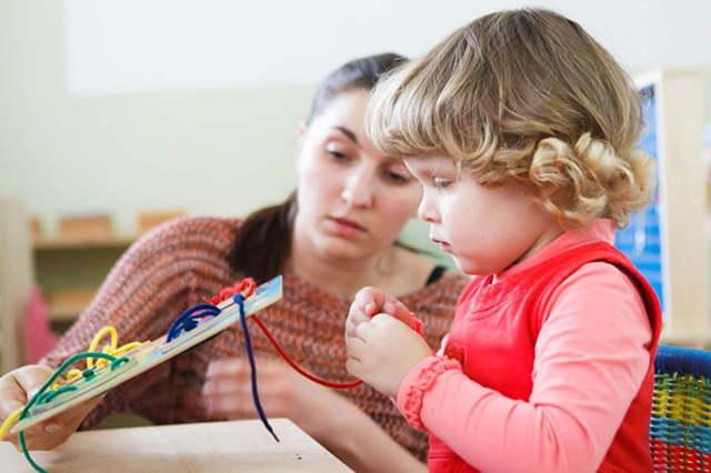 Марія Монтессорі і її методика раннього розвитку дитини: суть, що таке, правила використання