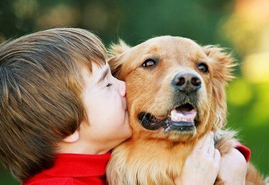 Дитина і собака